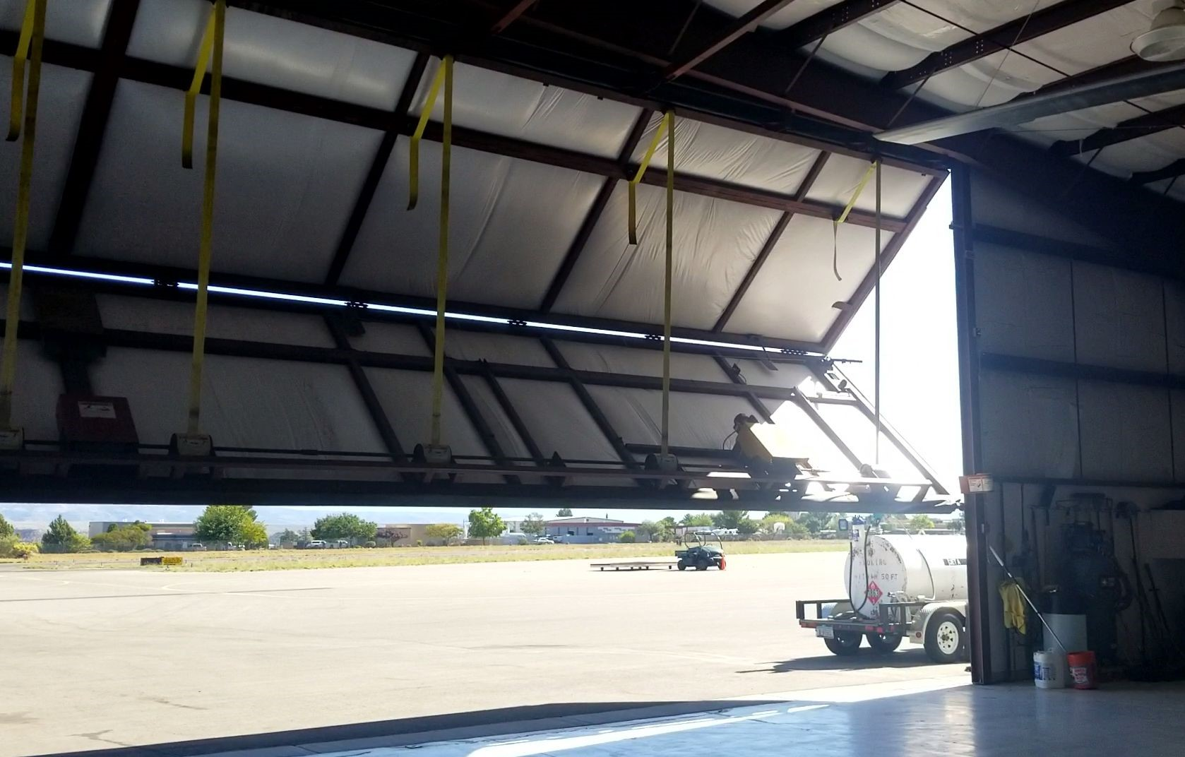 Aircraft Hanger_Commercial Service